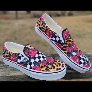 Vans Unisex Classic Slip-On Canvas Shoes